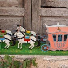 Juguetes antiguos y Juegos de colección - CARRUAJE DE MADERA CON CABALLOS JUGUETE AÑOS 70 - 110557163