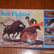 Juguetes antiguos y Juegos de colección: JUGUETE TAURINO JUEGO DE TOREO TOROS BULL FIGHTER UNICO. Lote 115287743