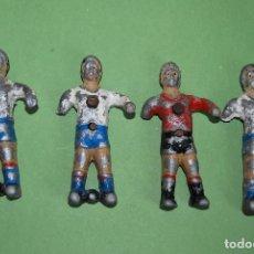 Juguetes antiguos y Juegos de colección: CUATRO MUÑECOS DE FUTBOLÍN DE METAL - CON ENGANCHE. Lote 116785251