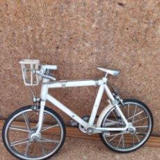 Juguetes antiguos y Juegos de colección - Antigua bicicleta AUTÓMATA de paseo de juguete. Completa, buena conservación. - 117625846