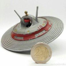 Juguetes antiguos y Juegos de colección: RARA PEONZA OVNI JR 10 DE JUGUETES PLASTIC BARCINO MODELO COSMO NAVE JR10 AÑOS 60. Lote 120768003