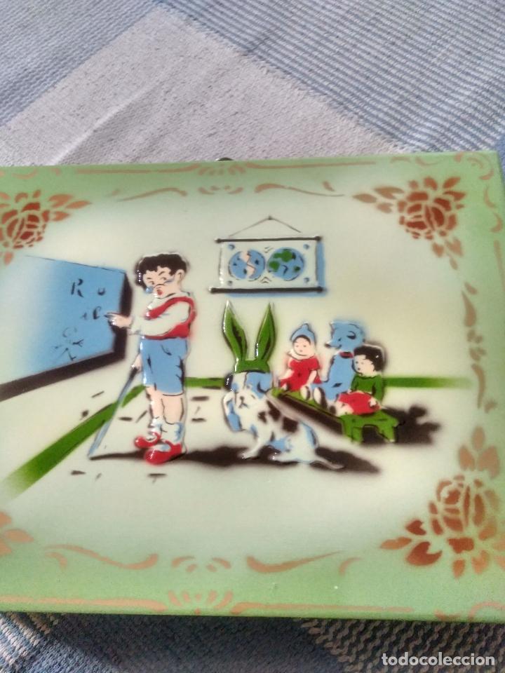Juguetes antiguos y Juegos de colección: ANTIGUO CABAS DE MADERA EN PERFECTO ESTADO EN RELIEVE 26X20 NUMERADO MARCA LA CORONA - Foto 5 - 125238479
