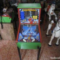 Juguetes antiguos y Juegos de colección: ANTIGUA MAQUINA PINBALL MANUAL PARA NIÑOS PIMBALIN. Lote 126804395