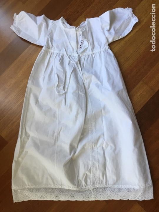Juguetes antiguos y Juegos de colección: Faldón antiguo de algodón para muñeco bebé - Foto 2 - 128769278