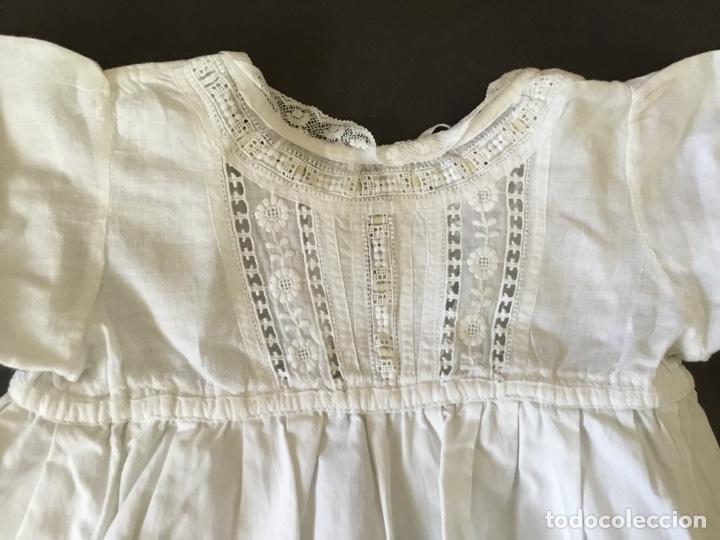 Juguetes antiguos y Juegos de colección: Faldón antiguo de algodón para muñeco bebé - Foto 3 - 128769278
