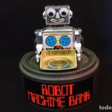 Juguetes antiguos y Juegos de colección: HUCHA ROBOT MACHINE BANK-EVERLAST-TOYS. Lote 129102123