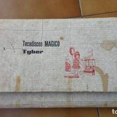Juguetes antiguos y Juegos de colección: TOCADISCOS MAGICO TIBER -CONTIENE VINILO-CUENTO Y LAPIZ-FALTA AGUJA. Lote 131939406