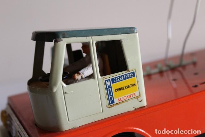 Juguetes antiguos y Juegos de colección: Antiguo camión juguete Hércules paya hojalata - Foto 2 - 117914456