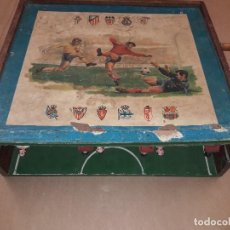 Juguetes antiguos y Juegos de colección: ANTIGUO FUTBOLIN MADERA , PLEGABLE. Lote 137542906