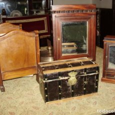 Juguetes antiguos y Juegos de colección: CONJUNTO DE 4 MUEBLES MINIATURA ANTIGUOS FRANCESES SIGLO 19. Lote 137849058