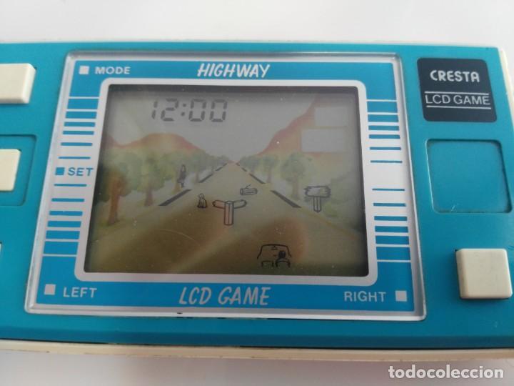 Juguetes antiguos y Juegos de colección: antigua game watch lcd highway de cresta - Foto 2 - 175763655