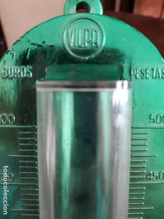 Juguetes antiguos y Juegos de colección: Antigua Hucha Termómetro VILPA. Caja Original. Con Código. Para Duros y Pesetas. - Foto 6 - 138831554