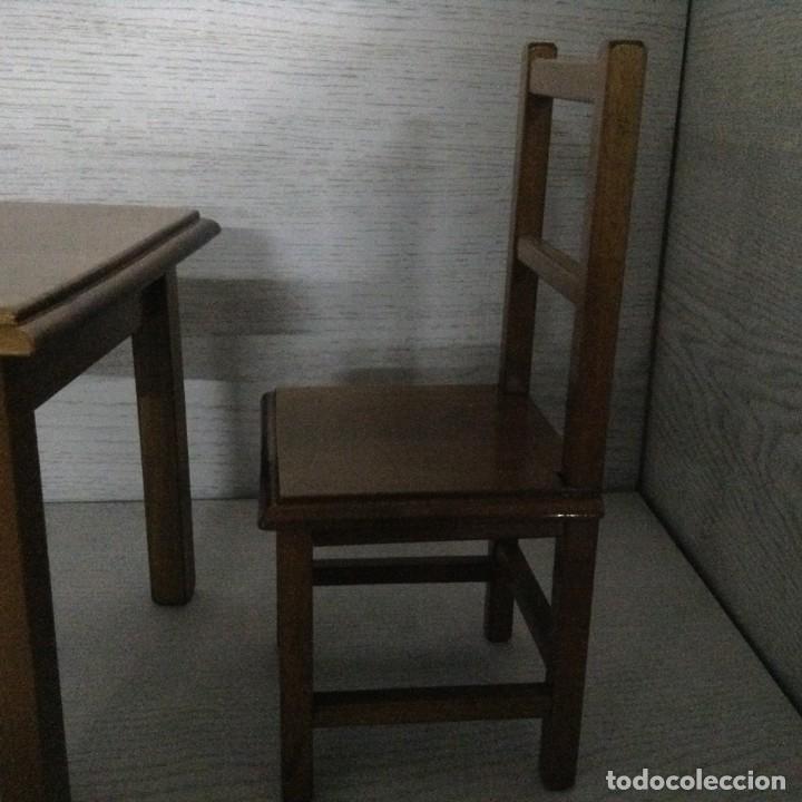 Juguetes antiguos y Juegos de colección: Mesa y 2 sillas madera para muñecas,MOULING ROTY - Foto 2 - 139883266