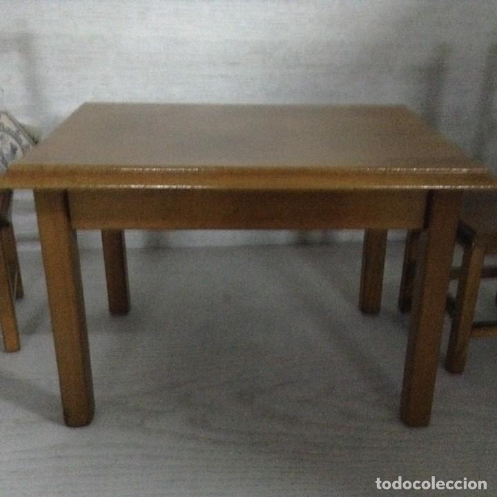 Juguetes antiguos y Juegos de colección: Mesa y 2 sillas madera para muñecas,MOULING ROTY - Foto 4 - 139883266