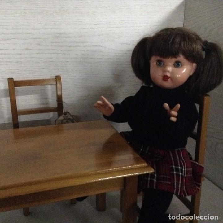 Juguetes antiguos y Juegos de colección: Mesa y 2 sillas madera para muñecas,MOULING ROTY - Foto 5 - 139883266