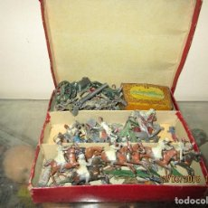 Juguetes antiguos y Juegos de colección: CAJA ANTIGUA JUEGO GUERRA CIVIL REGULARES LEGION ANTIGUOS SOLDADOS PLOMO LEGION MELILLA 73 PIEZAS. Lote 134358822