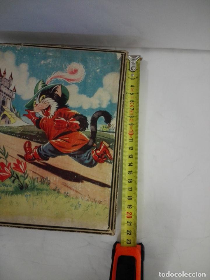 Juguetes antiguos y Juegos de colección: Rompecabezas de cubos de cartón. Gato con botas, Pinocho, Cenicienta, Caperucita... Años 50. Puzzle - Foto 3 - 140901522