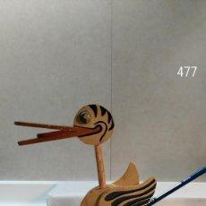 Juguetes antiguos y Juegos de colección: PATO DE MADERA CORREPASILLOS. Lote 113125383