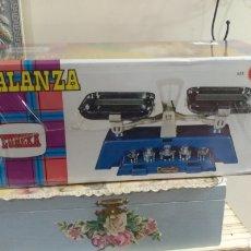 Juguetes antiguos y Juegos de colección: BALANZA EUREKA AÑOS 70. Lote 146296909