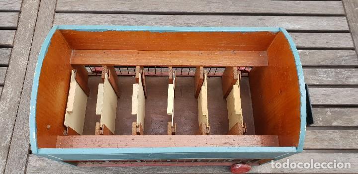 Juguetes antiguos y Juegos de colección: PRECIOSA CARAVANA / REMOLQUE DE LEONES Y TIGRES DE MADERA CON DOMADOR, CUIDADOR, 2 PERROS Y JAULA - Foto 8 - 147507022