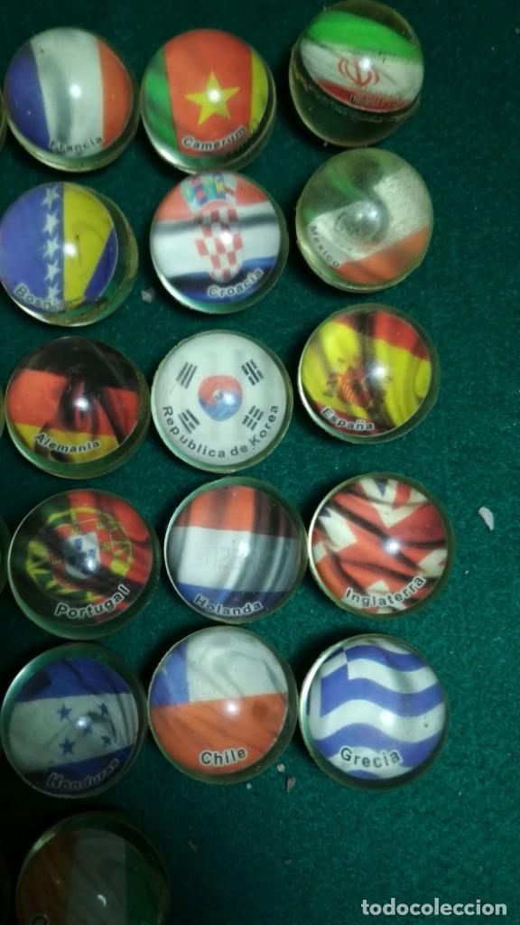 Juguetes antiguos y Juegos de colección: LOTE 28 PELOTAS SALTARINAS GOMA 32MM SERIE BANDERAS DEL MUNDO TODAS DISTINTAS. VER FOTOS - Foto 3 - 147531590