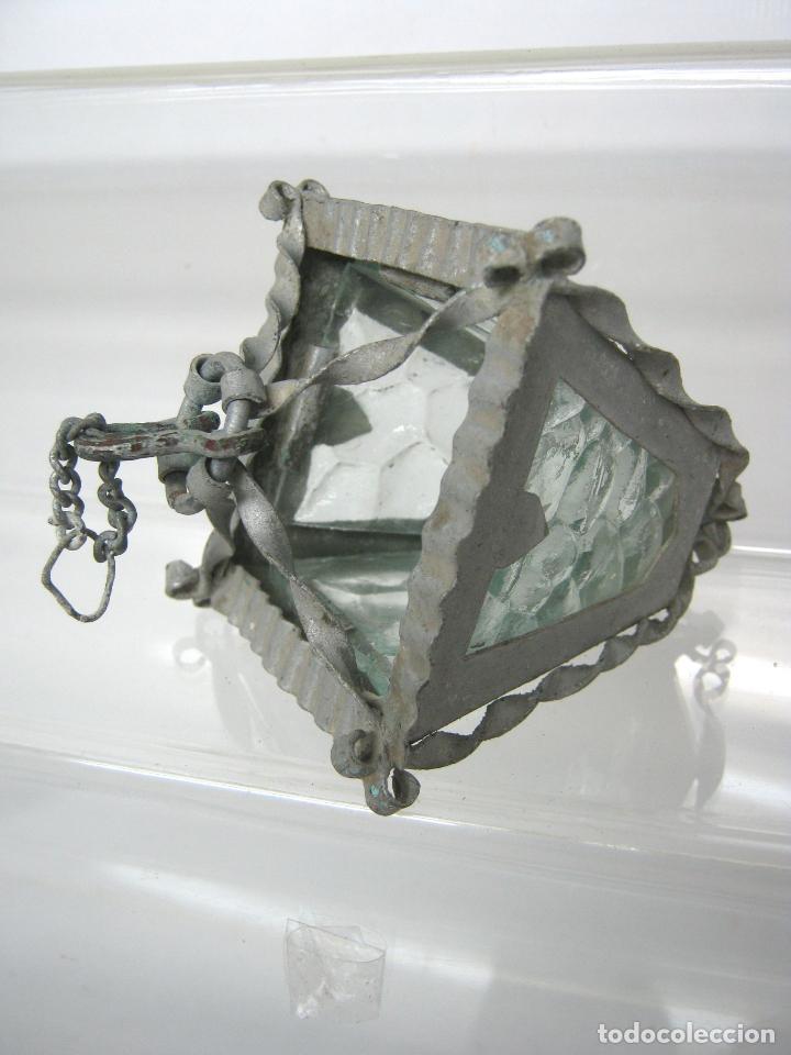 Juguetes antiguos y Juegos de colección: Antiguo pequeño farol de metal y 4 cristal miniatura - casa muñecas - Foto 2 - 148096398