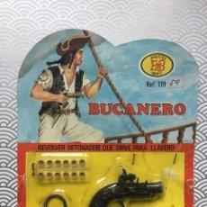 Juguetes antiguos y Juegos de colección: REVÓLVER DETONADOR LLAVERO BUCANERO - JUGUETES MARTI - AÑOS 70 - SIN USAR A ESTRENAR. Lote 150800230