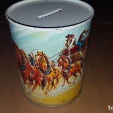 Juguetes antiguos y Juegos de colección: HUCHA DE METAL CON FIGURAS DEL OESTE. Lote 151529338