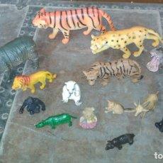 Juguetes antiguos y Juegos de colección: LOTE DE 16 ANIMALES SALVAJES DE JUGUETE GOMA RESINA Y PVC. Lote 151545374