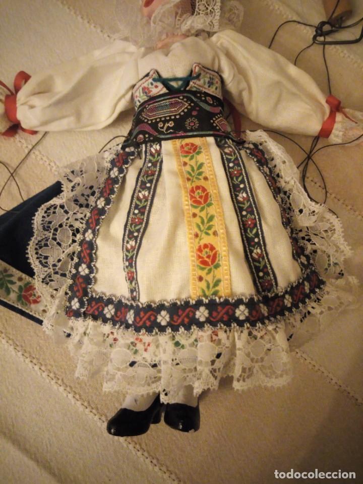Juguetes antiguos y Juegos de colección: Bonita marioneta regional suiza,madera y pastas ,pintada a mano. - Foto 5 - 151596810
