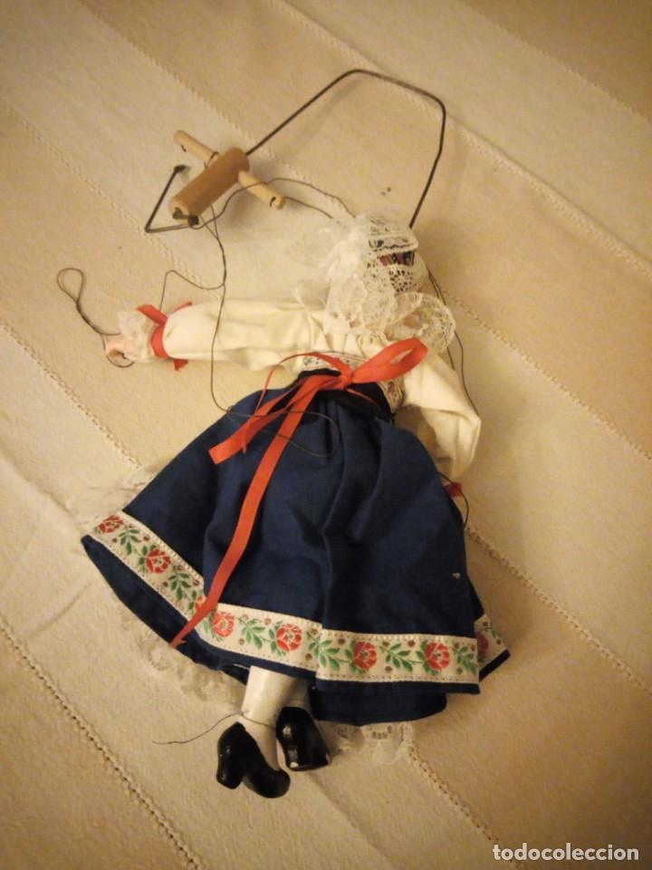 Juguetes antiguos y Juegos de colección: Bonita marioneta regional suiza,madera y pastas ,pintada a mano. - Foto 9 - 151596810