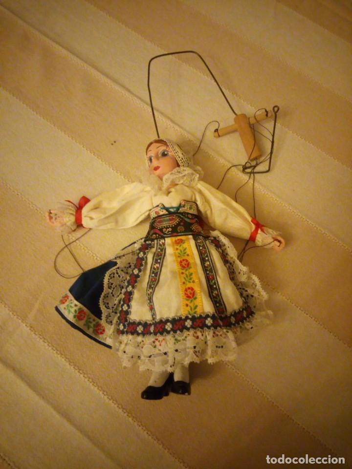 Juguetes antiguos y Juegos de colección: Bonita marioneta regional suiza,madera y pastas ,pintada a mano. - Foto 10 - 151596810
