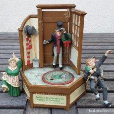 Juguetes antiguos y Juegos de colección: CAJA MUSICAL A CUERDA 1985 ENESCO - CHRISTMAS CAROL - CHARLES DICKENS FABRICADA EN MACAO. Lote 151841590