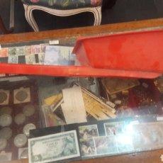 Juguetes antiguos y Juegos de colección: JUGUETE CARRETILLA AÑOS 70 PLASTICO VINTAGE. Lote 152403998