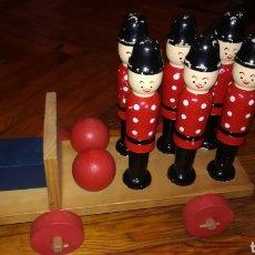 Juguetes antiguos y Juegos de colección: ANTIGUO JUEGO DE BOLOS DE MADERA.. Lote 154535834
