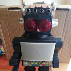 Juguetes antiguos y Juegos de colección: ROBOT ANTIGUO SATURS. Lote 155760204