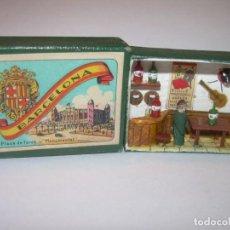 Juguetes antiguos y Juegos de colección: ANTIGUO Y PEQUEÑO DIORAMA EN CAJA DE CERILLAS.. Lote 159247842