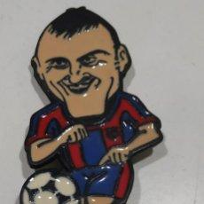 Giocattoli antichi e Giochi di collezione: FIGURA METAL , FUTBOL CLUB , FC BARCELONA , BARÇA , JUGADOR LUIS ENRIQUE 7 CMS. Lote 164270766