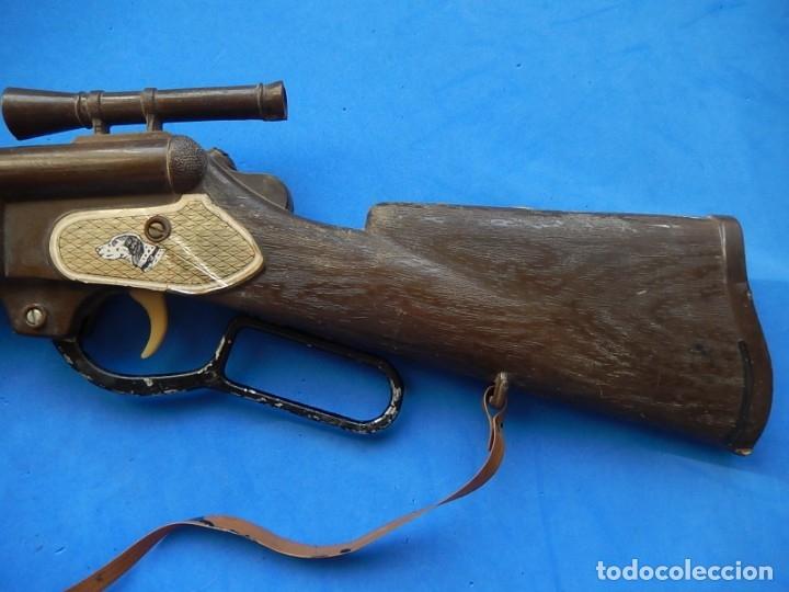 Juguetes antiguos y Juegos de colección: Escopeta de juguete tira corchos, plástico y metal. - Foto 4 - 172956190