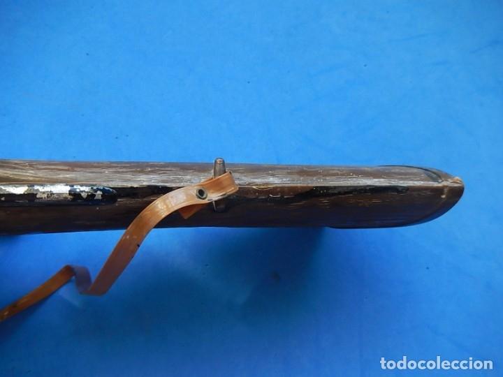 Juguetes antiguos y Juegos de colección: Escopeta de juguete tira corchos, plástico y metal. - Foto 10 - 172956190