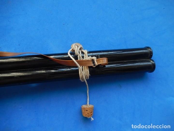 Juguetes antiguos y Juegos de colección: Escopeta de juguete tira corchos, plástico y metal. - Foto 13 - 172956190