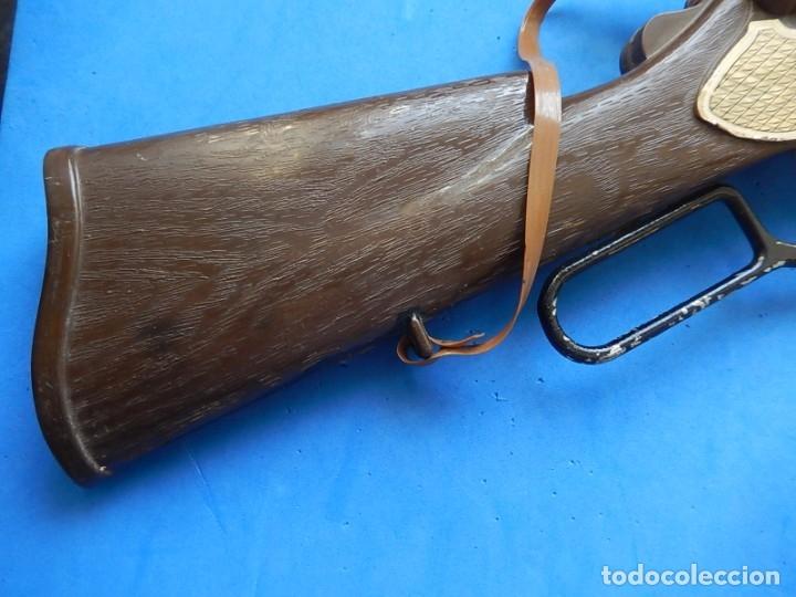 Juguetes antiguos y Juegos de colección: Escopeta de juguete tira corchos, plástico y metal. - Foto 14 - 172956190
