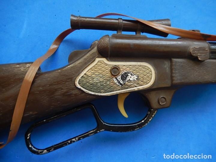 Juguetes antiguos y Juegos de colección: Escopeta de juguete tira corchos, plástico y metal. - Foto 15 - 172956190