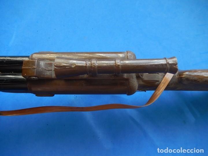 Juguetes antiguos y Juegos de colección: Escopeta de juguete tira corchos, plástico y metal. - Foto 21 - 172956190