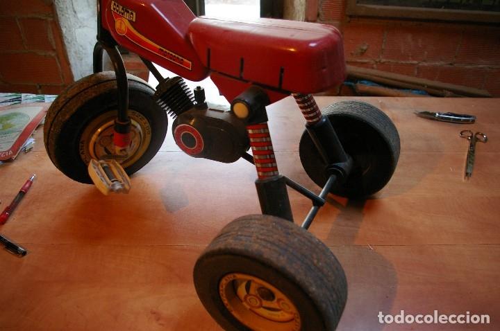 Juguetes antiguos y Juegos de colección: Triciclo coloma y pastor. - Foto 3 - 174263234