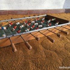 Juguetes antiguos y Juegos de colección: CURIOSO FUTBOLÍN DE MADERA CON JUGADORES DE MADERA PINTADA. Lote 175024809
