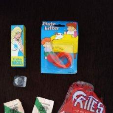 Juguetes antiguos y Juegos de colección: LOTE ARTICULOS BROMA - HIELO CON MOSCA, PATATAS FRITAS FALSAS, CUBITO CON MOSCA.... Lote 175906410