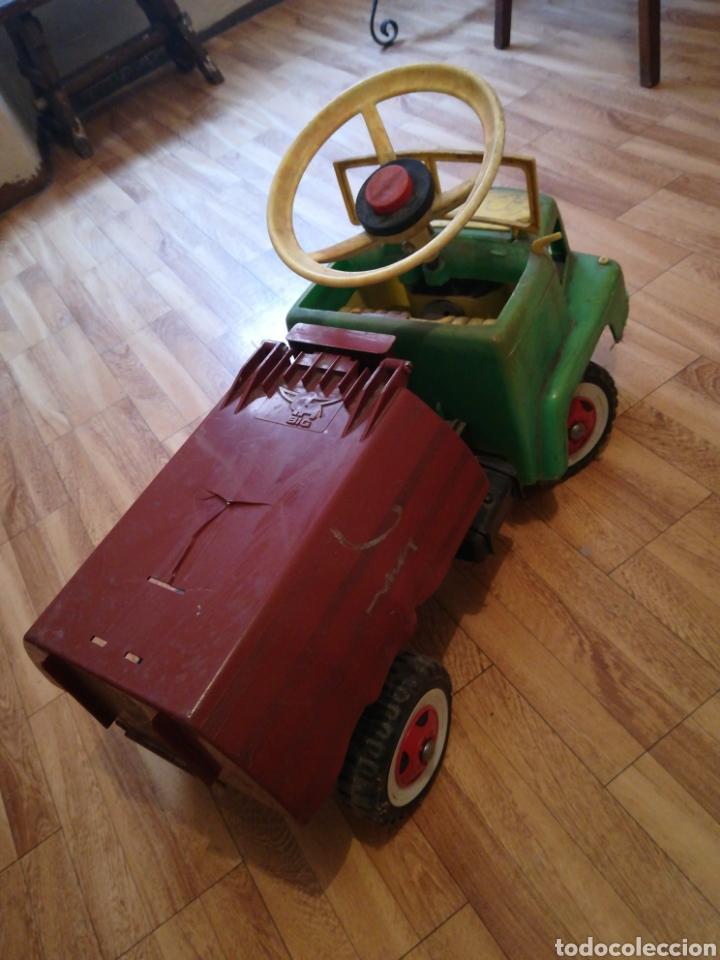 Juguetes antiguos y Juegos de colección: Camión BIG gateador para bebé. Años 70 Pegaso ? - Foto 2 - 217745891