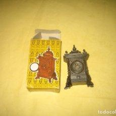 Juguetes antiguos y Juegos de colección: JUGUETES EMB - SACA PUNTAS CON CAJITA . Lote 177601937