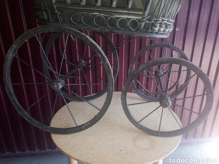 Juguetes antiguos y Juegos de colección: Antiguo carro carrito muñecas madera forja y tela - Foto 5 - 177636883
